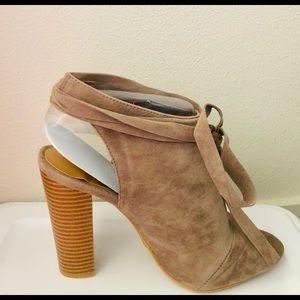 Bamboo Block Heel Tie up shoes
